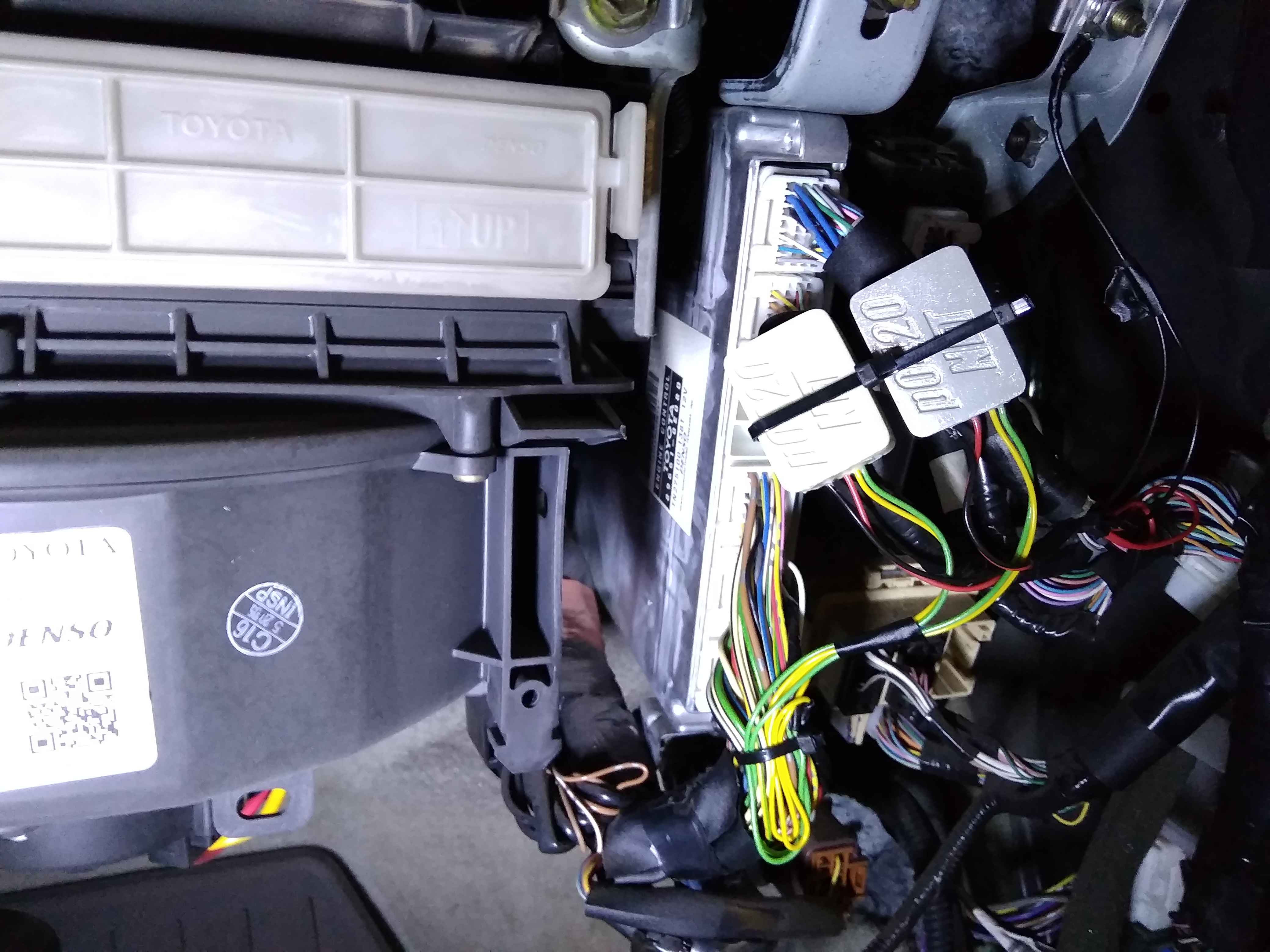 крепление эмуляторов катализатора лексус 330